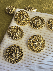 "Metallic Antique Gold Embossed Rope Swirl Vintage Shank 1-1/4"" (31mm) 50L Buttons #901"