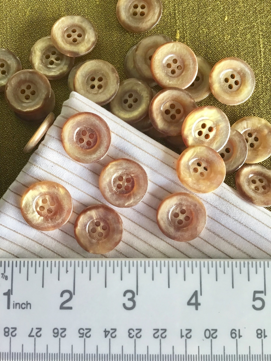 Lot of 6 buttons Brown Satin Pearl effect  4 hole buttons 3 sizes available 58,12,716.