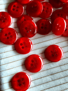 """Ruby Red 4 Hole 5/8"""" (15mm) 24L Vintage Sewing Buttons #1018"""