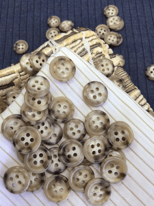 "Small 4 Hole 9/16"" (14mm) 22L Champagne Beige Vintage Shirt Buttons #996"