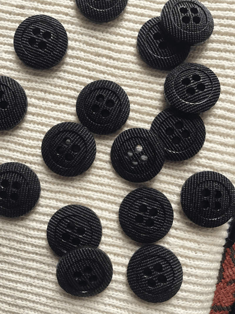 """Textured Black 4 Hole Italian Vintage Sewing 11/16"""" (18mm) 28L Buttons #607"""