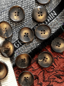 """Toffee Brown 4 Hole Button 1"""" (25mm) 40L Sewing Buttons #675"""