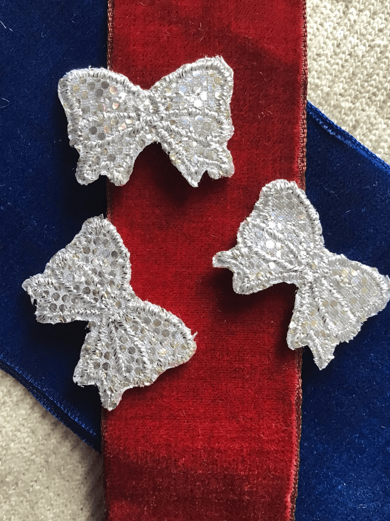 Vintage Embroidered Metallic Silver Bow Iron-on Decorative Patches #5030