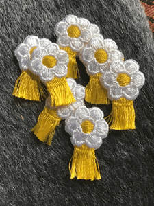 White Vintage Yellow Daisy Embroidered Decorative Floral Patch #5086