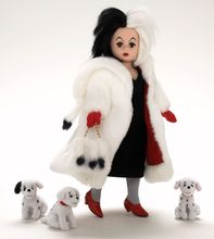 "10"" CRUELLA DE VIL - incl plush puppies"