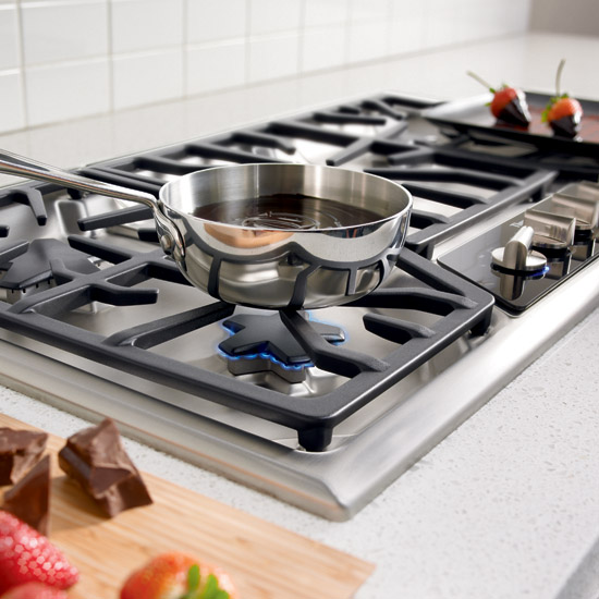 "5 Burner Gas Cooktops: SGSX365FS Thermador 36"" Masterpiece Deluxe Gas Cooktop"