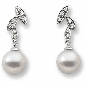 FRESHWATER CULTURED PEARL AND DIAMOND EARRING