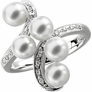 Freshwater Cultured Pearl & Diamond Ring