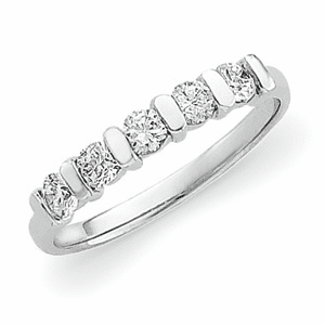 Platinum 1/2 ct tw Diamond Anniversary Band