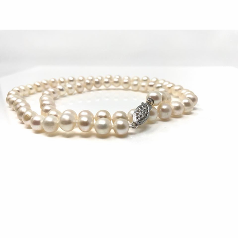 Single Strand Pearl Necklace