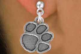 """<bR>               EXCLUSIVELY OURS!!<BR>         AN ALLAN ROBIN DESIGN!!<BR>CLICK HERE TO SEE 500+ EXCITING<BR>   CHANGES THAT YOU CAN MAKE!<BR>              LEAD & NICKEL FREE!!<BR>       W914SE - """"PAW PRINT"""" CHARM &<Br>    EARRINGS FROM $5.65 TO $10.00"""