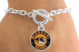 <Br>                LEAD & NICKEL FREE!!<Br>          STERLING SILVER PLATED!!<bR>   W12957B - LICENSED UNIVERSITY<Br>     OF  MISSOURI TIGERS MASCOT<Br>& NAME BRACELET AS LOW AS $3.65