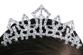 <Br>           LEAD & NICKEL FREE!!<Br>W14235T - GORGEOUS GENUINE<br>AUSTRIAN CRYSTAL TIARA COMB<BR>       FROM $7.31 TO $16.25