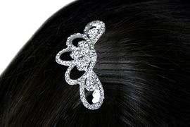 <Br>             LEAD & NICKEL FREE!!<Br>W15947HJ - BEAUTIFUL AUSTRIAN<BR>              CRYSTAL HAIR COMB<Br>             FROM $5.06 TO $11.25