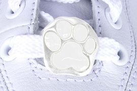 <Br>         US PATENT PENDING<Br>         EXCLUSIVELY OURS!!<Br>    AN ALLAN ROBIN DESIGN!<BR>        LEAD & NICKEL FREE!!<Br>W13265C - WHITE PAW PRINT<Br>   2-PIECE SHOE CHARM SET<Br>             AS LOW AS $3.10