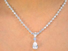 <bR>   W10134NE - STUNNING AUSTRIAN<Br>     CRYSTAL TEARDROP NECKLACE &<br>EARRING SET FROM $73.13 TO $135.00