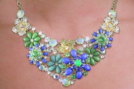 <br>WHOLESALE FASHION FLORAL NECKLACE <BR>       CADMIUM, LEAD & NICKEL FREE!! <BR>W20734NE - COLORFUL CRYSTAL AND GOLD <BR>TONE TURQUOISE AND BLUE FLORAL DESIGN <BR>  NECKLACE WITH MATCHING EARRINGS <BR>          FROM $14.16 TO $31.25 �2013