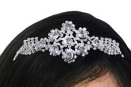 <bR>          LEAD & NICKEL FREE!!<bR>W21622T - GENUINE AUSTRIAN<Br>  CRYSTAL FLOWER PATTERN<bR>   LACE CRYSTAL HEADBAND <Br>        FROM $14.75 TO $25.00