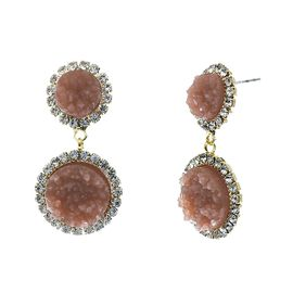 <BR>        W29497E - BEAUTIFUL NEW FASHION JEWELRY EXCLUSIVE <BR>  DUSTY ROSE NATURAL GEODE STONE AND CLEAR CRYSTAL ACCENTED<BR>    TWO TIERED GOLD TONE POST SETTING FASHION EARRINGS<BR>                     NO NICKEL, LEAD, OR POISONOUS CADMIUM.  <br>                            BUY THESE EARRINGS FOR $7.50 EACH