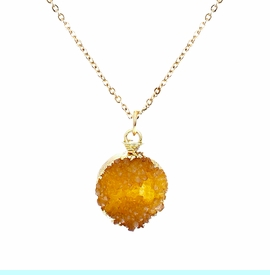 <BR>     W29524N12 - EXCITING NEW FASHION JEWELRY EXCLUSIVE <BR>GOLDEN AMBER TONE NATURAL GEODE CRYSTAL GOLD-TONE PENDANT <BR>    ON BEAUTIFUL ADJUSTABLE GOLD-TONE CHAIN LINK NECKLACE<BR>                     NO NICKEL, LEAD, OR POISONOUS CADMIUM.  <br>                              BUY THIS NECKLACE FOR $10.00 EACH
