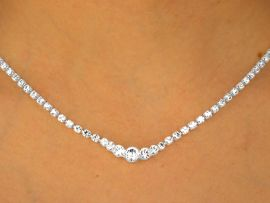 W9706NE - GENUINE AUSTRIAN CRYSTAL<br>              NECKLACE & EARRING SET<br>       YOUR LOW PRICE IS ONLY $16.25