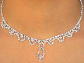 W9747NE - GENUINE AUSTRIAN CRYSTAL<br>                NECKLACE & EARRING SET<BR>         YOUR LOW PRICE IS ONLY $10.56