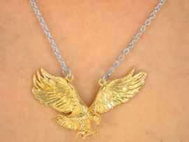 <BR>            W9875N - EXCLUSIVELY OURS!!!<BR>      SILVER TONE CHAIN & GOLDEN EAGLES <BR>         FALCONS, HAWKS DROP NECKLACE <BR>                           AS LOW AS $3.05