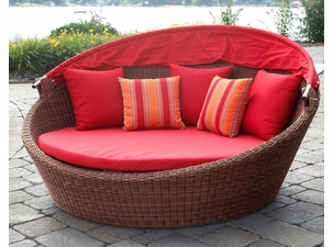 Outdoor Wicker Daybed Detail View