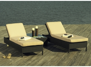 Why We Love Wicker Chaise Lounges by the Pool