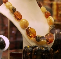 Amber Jewelry [What First Time Buyer Need to Know].
