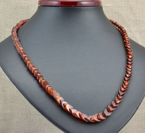 Amber Necklace Made of Overlapping Baltic Amber Pieces