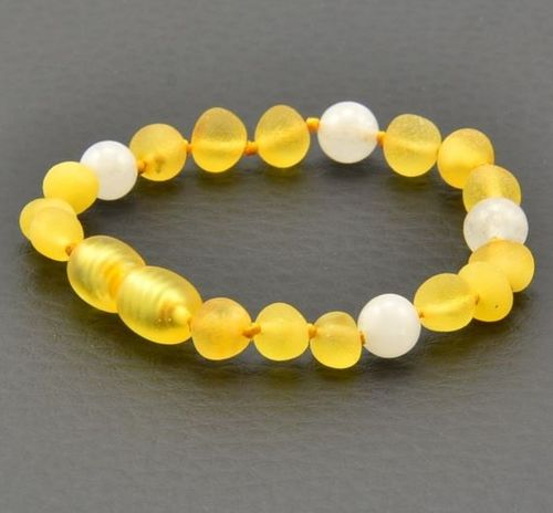 Amber Teething Bracelet Made of Baltic Amber and Agate