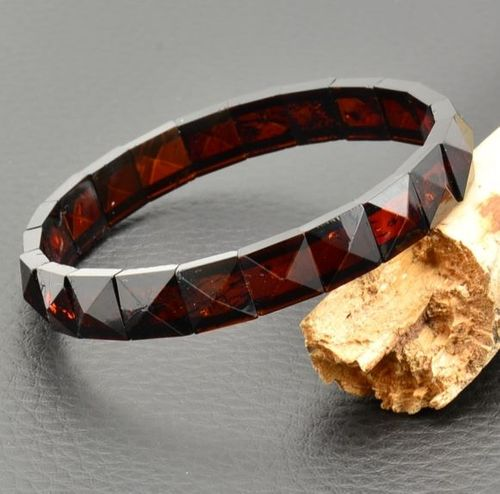 Amber Bracelet Made of Pyramid Shape Baltic Amber Pieces