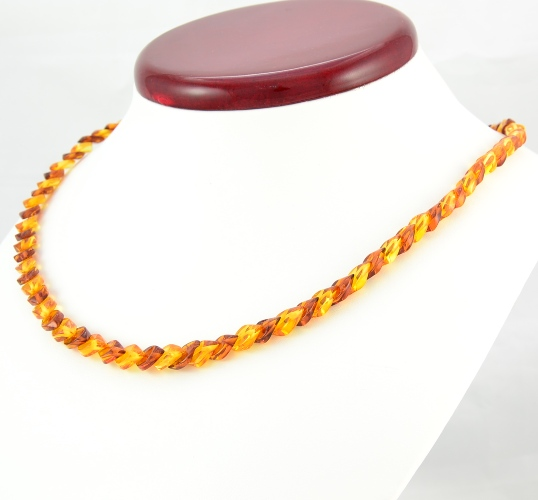 stunning amber necklace handmade of overlapping baltic amber pieces