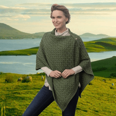 Buttoned Irish Cape / Poncho