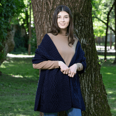 Ladies Classic Cable Wool Shawl