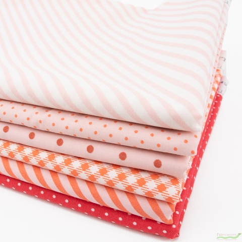 Amy Sinibaldi for Art Gallery, Les Petits, Coral in FAT QUARTERS 6 Total