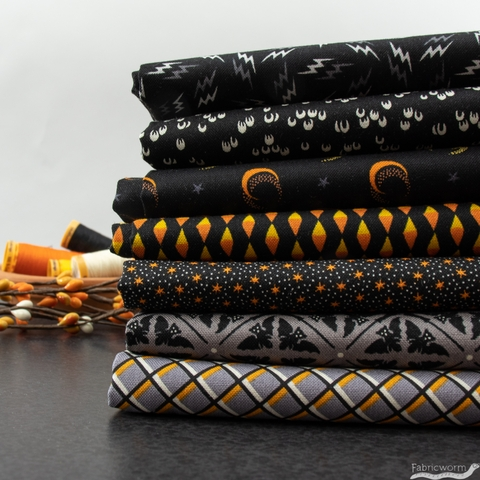 Andover Fabrics, Sleepy Hollow, Candy Chain Black