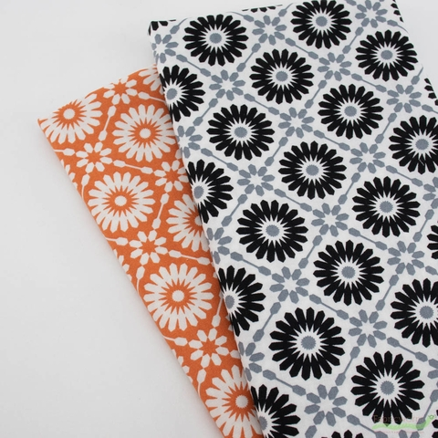 April Rosenthal for Moda, Midnight Magic, Mums Pumpkin