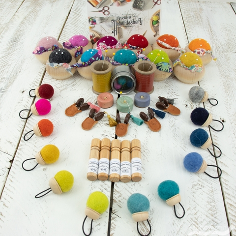 Brooklyn Haberdashery, Colorful Pom Pom Stitch Markers
