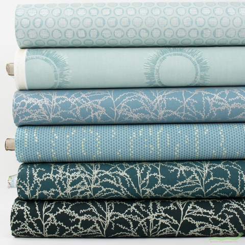 Jennifer Sampou for Robert Kaufman, Winter Shimmer Metallic, Frost in FAT QUARTERS 6 Total