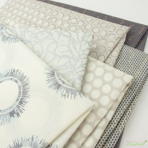 Jennifer Sampou for Robert Kaufman, Winter Shimmer Metallic, Snow in FAT QUARTERS 6 Total