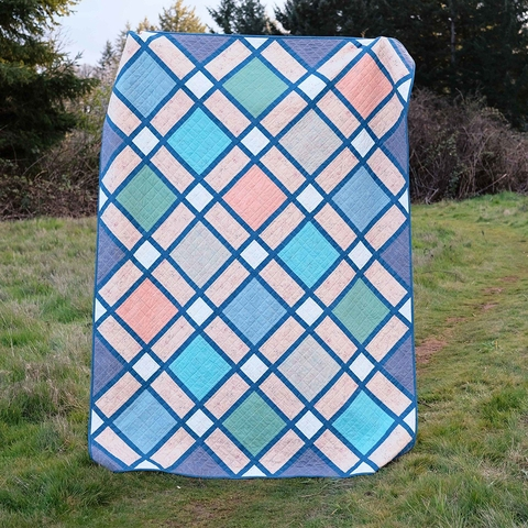 Kitchen Table Quilting, Sewing Pattern, The Delilah Quilt