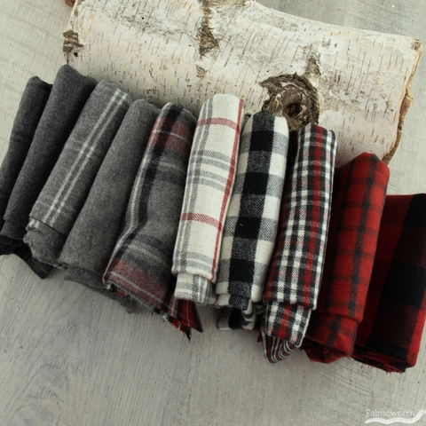 Northcott, West Creek Wovens, Grimsby Off-White Red