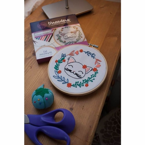 Threaders by Crafter's Campanion, Embroidery Kit, Cat