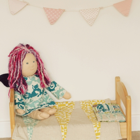 Sewing Tutorial|Doll Bedding by The Crafty Kitty