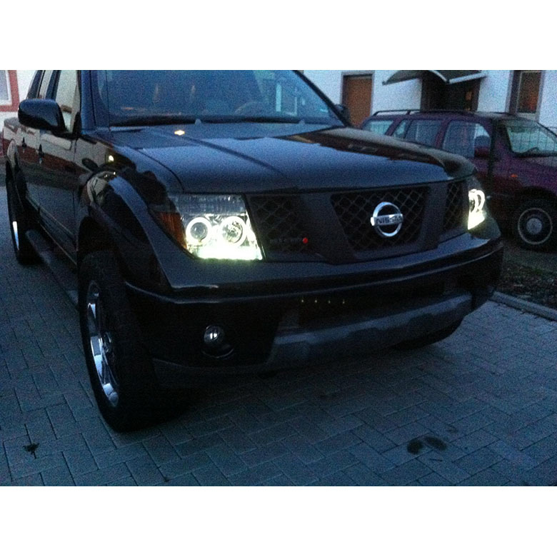 05-08 Nissan Frontier / 05-07 Pathfinder Halo LED Projector