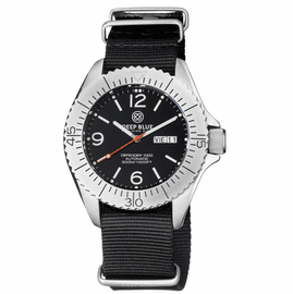 DEFENDER 1000 44MM AUTOMATIC SS CASE BLACK DIAL STRAP