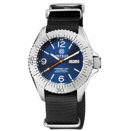 DEFENDER 1000 44MM AUTOMATIC SS CASE DARK BLUE SUNRAY DIAL STRAP