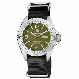 DEFENDER 1000 44MM AUTOMATIC SS CASE GREEN  DIAL STRAP